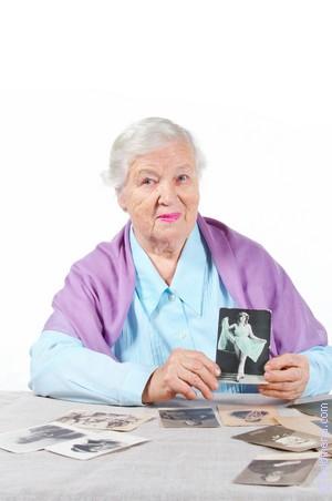 умершая Бабушка живой по соннику