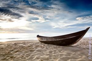 Лодка на воде по соннику