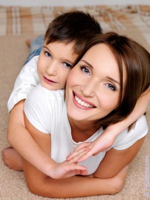 Пяная мама претса с сыном в полпу