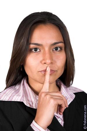 Мать взяла в рот у сына чтобы тот молчал онлайн