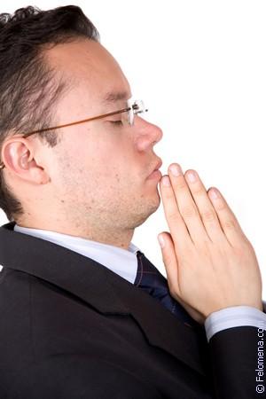 Молиться в церкви по соннику