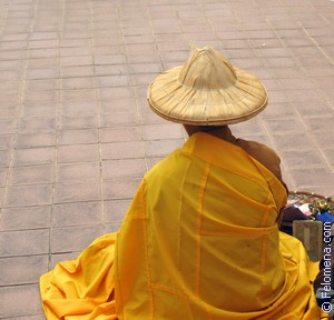Монах буддист по соннику