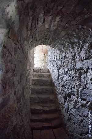 Сонник Подземелье 🌛 приснилось, к чему снится Подземелье во сне ...