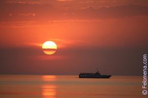 Закат на море по соннику